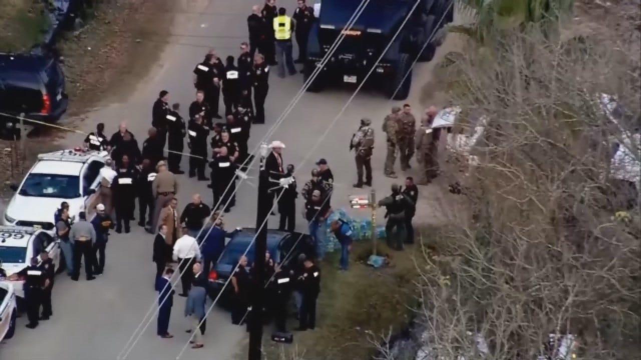 3 Deputies Shot, Suspect Dead In Standoff