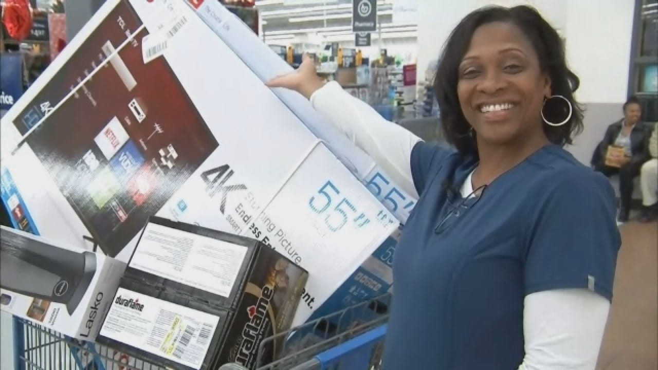 Actor Tyler Perry Pays Off More Than $430K In Layaway Items At 2 Wal-Marts