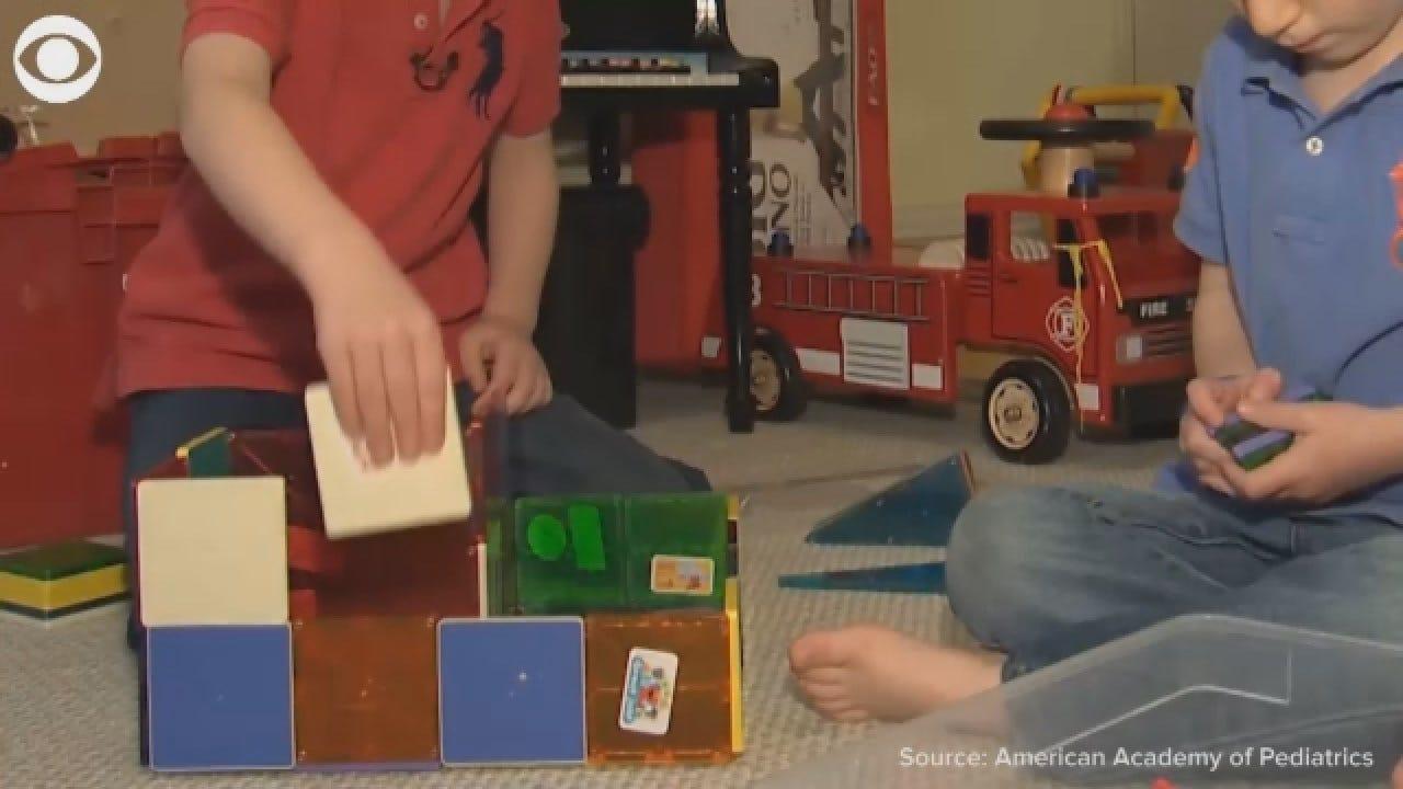 Pediatricians Recommend Parents Go Back To Basics Concerning Children's Toys