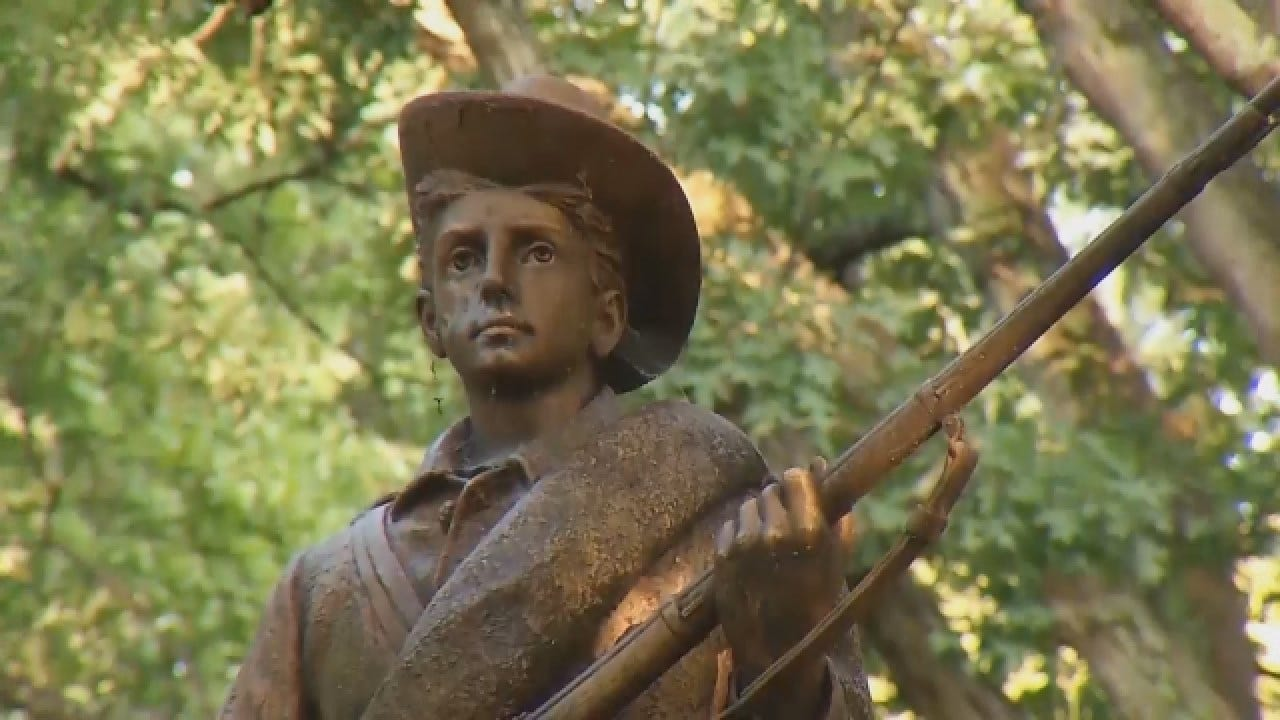 """UNC Students Protest Proposed Location For """"Silent Sam"""""""