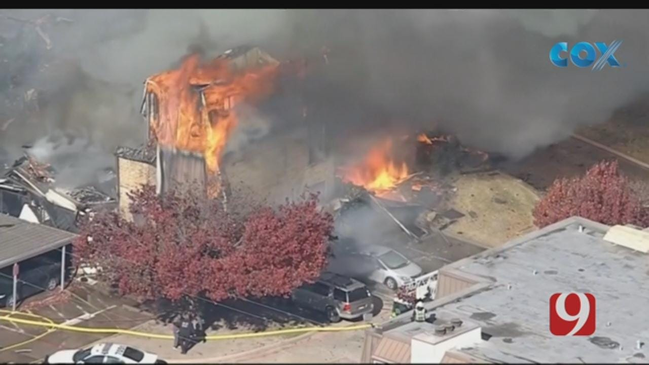 Firefighters Battle 3-Story Blaze At Apartment Complex In Dallas