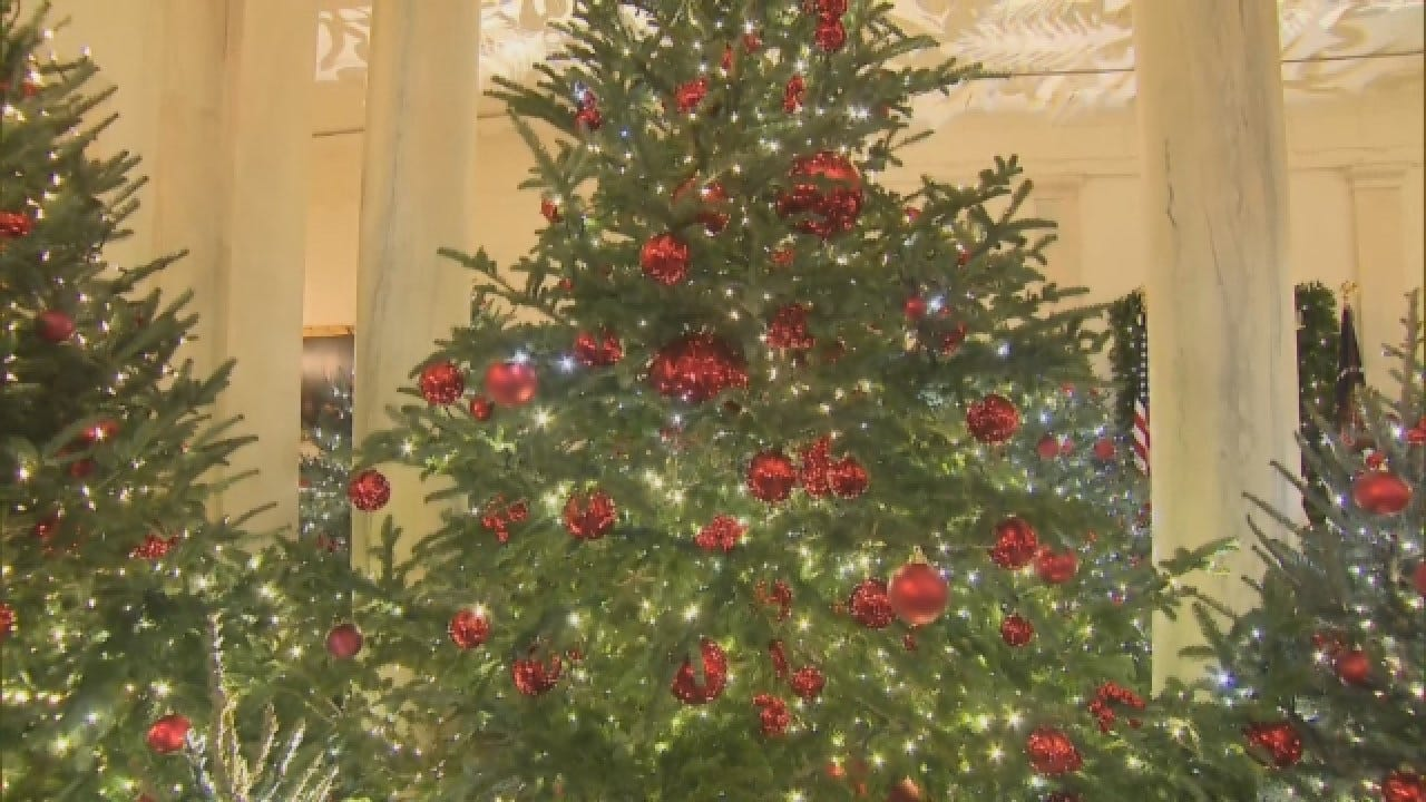 The White House Christmas Decorations Make Their 2018 Debut