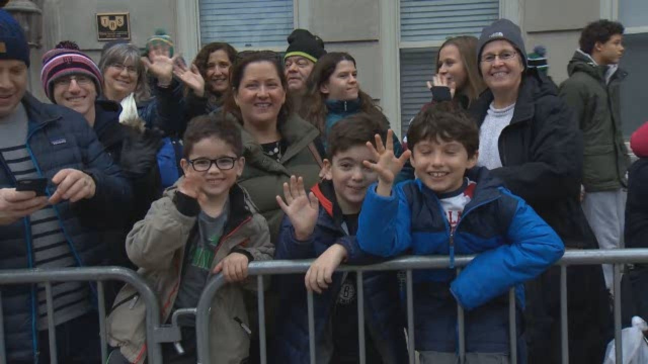 Thousands Show Up For Macy's Thanksgiving Day Parade