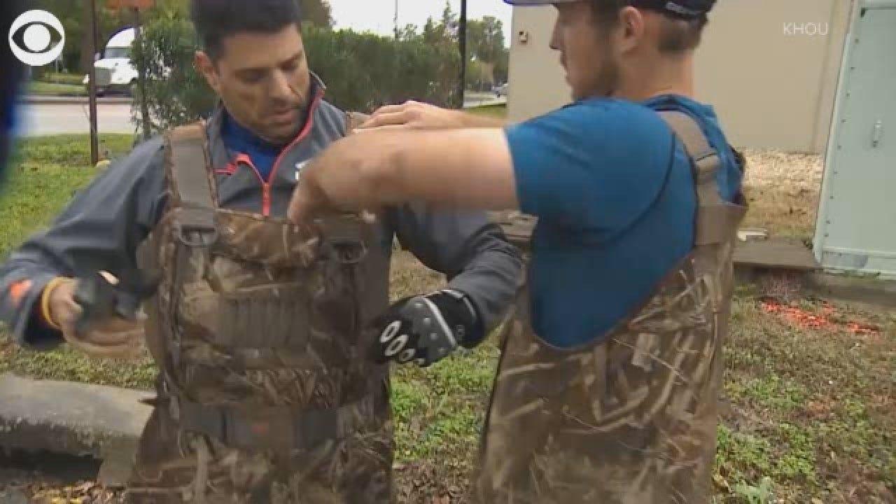 Major League Baseball Pitcher, Stranger Help Rescue Dogs