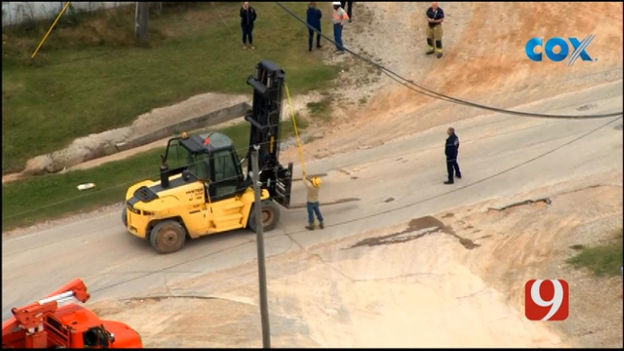 Bob Mills SkyNews 9 Flies Over Forklift Accident In SW OKC