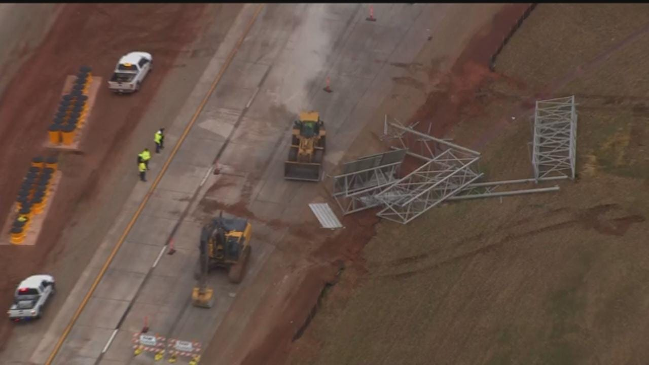 US 412 Closed After Traffic Sign Collapses