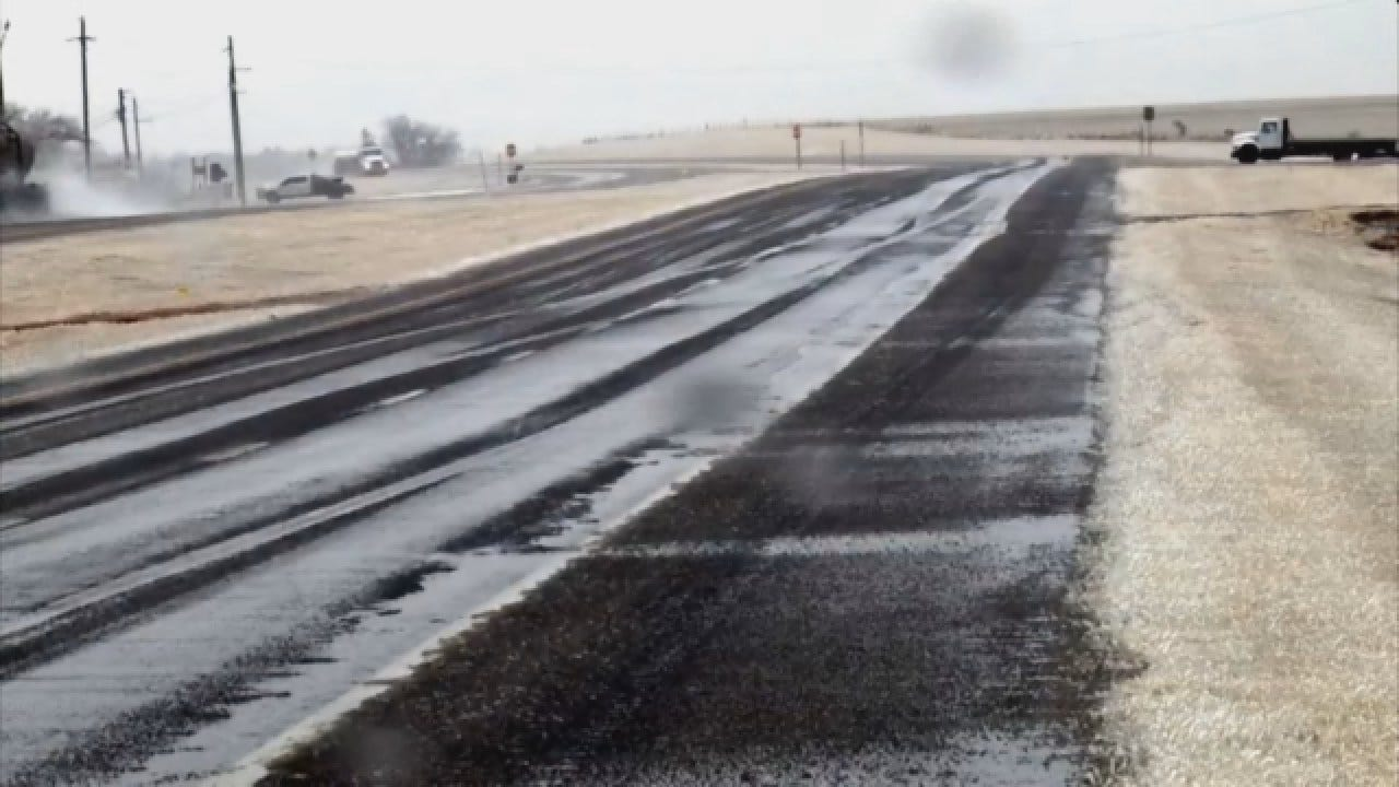 Roads Update: Thursday Afternoon Near Geary, Okla., Along Highway 281