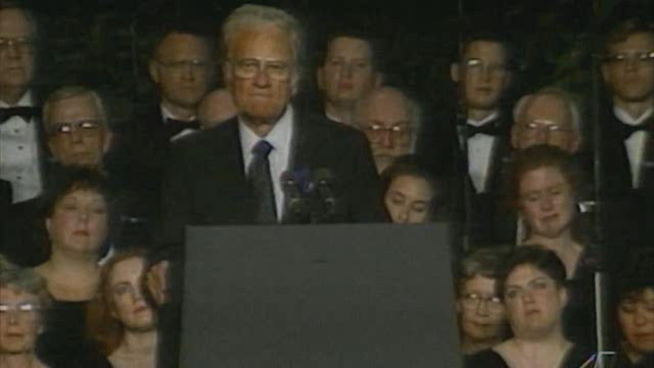 Rev. Billy Graham Speaks At Memorial For Oklahoma City Bombing Victims