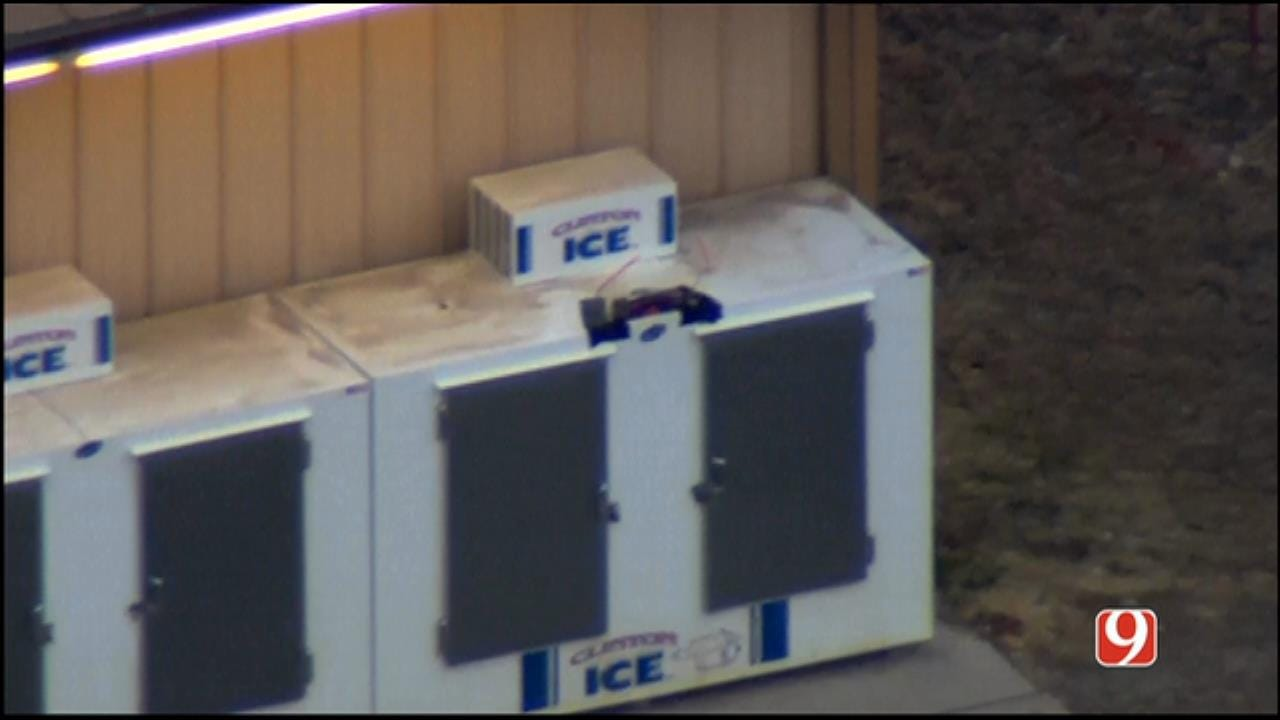 WEB EXTRA: SkyNews 9 Flies Over Suspicious Package Investigation In Lindsay