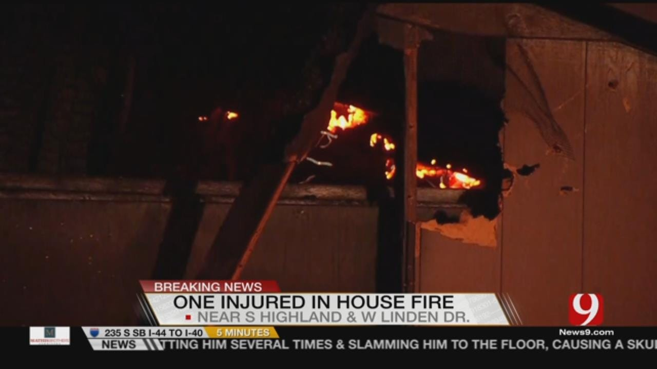 Passerby Wakes Residents During Mustang House Fire