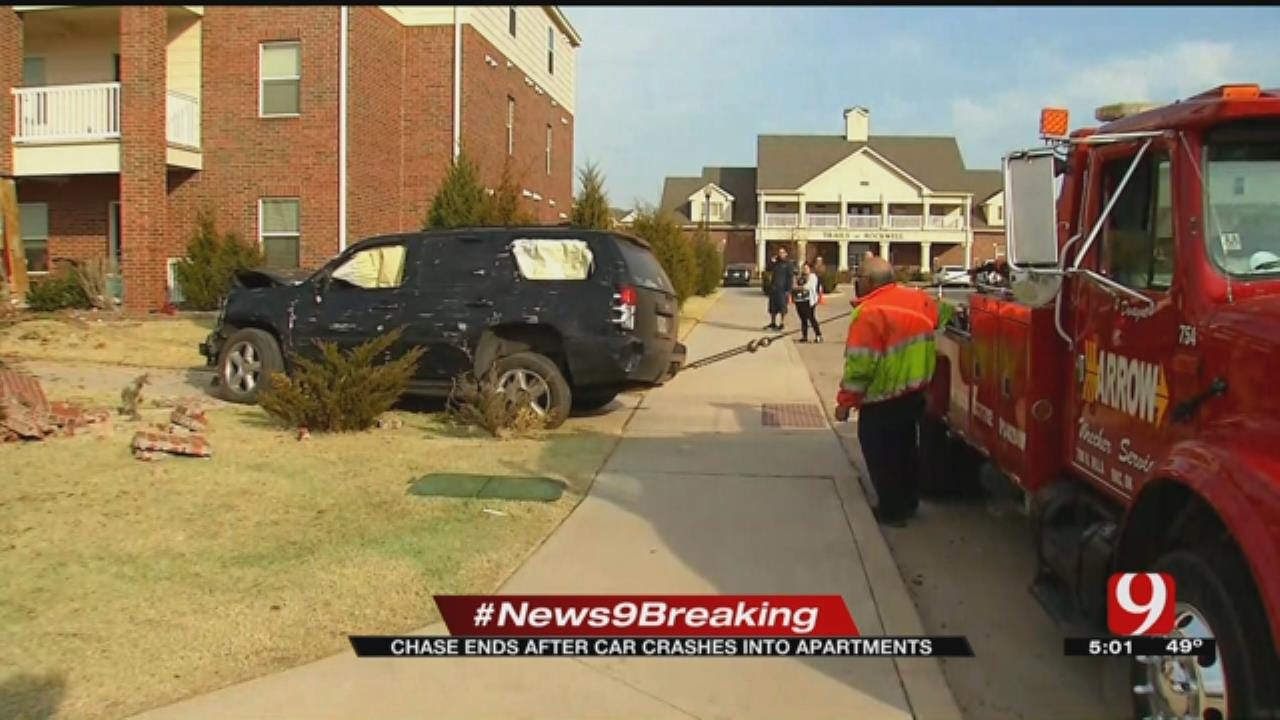 Chase Ends After Car Crashes Into NW OKC Apartment Building