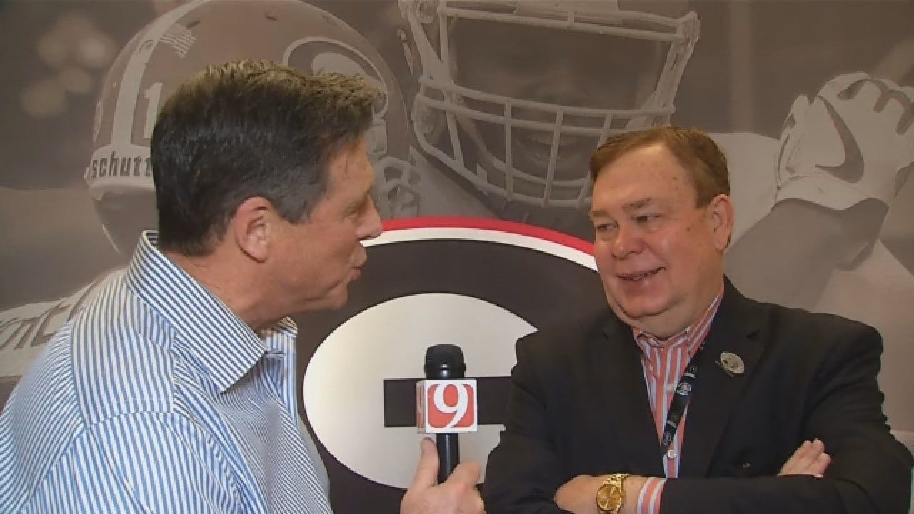 Dean 1-On-1 With College Football Analyst Tony Barnhart