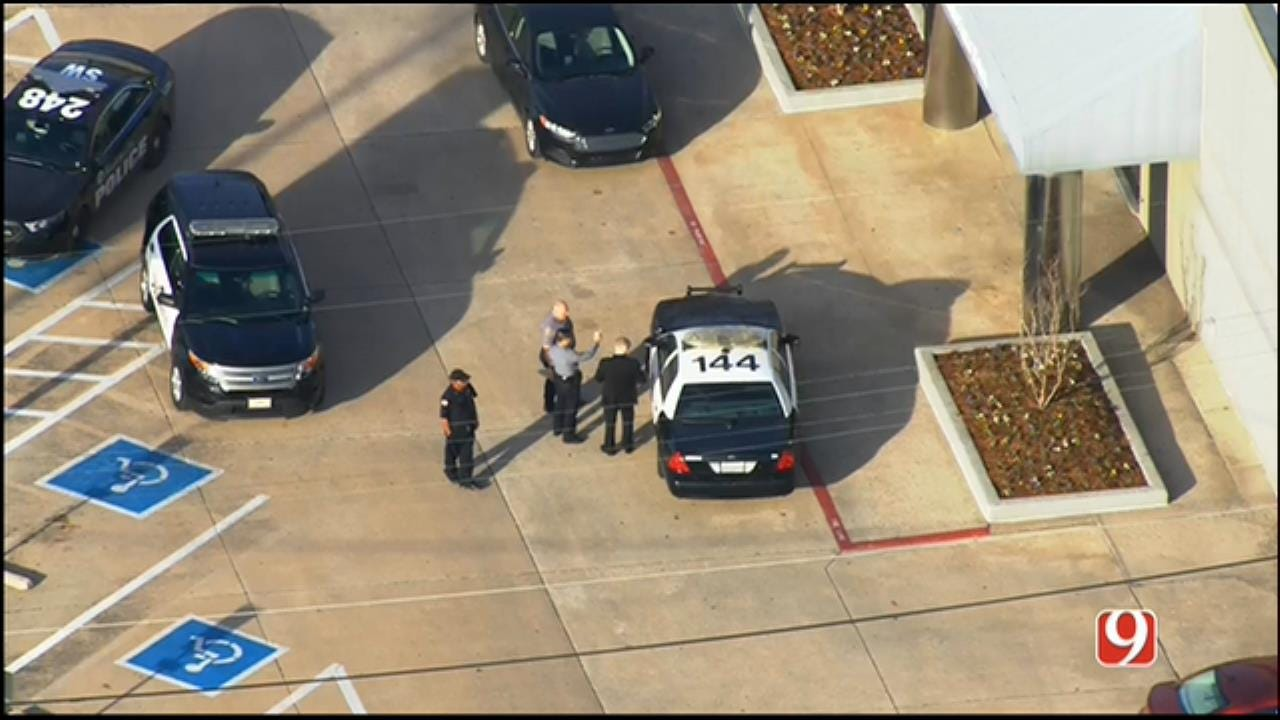 WEB EXTRA: SkyNews 9 Flies Over Bank Robbery Scene In NW OKC