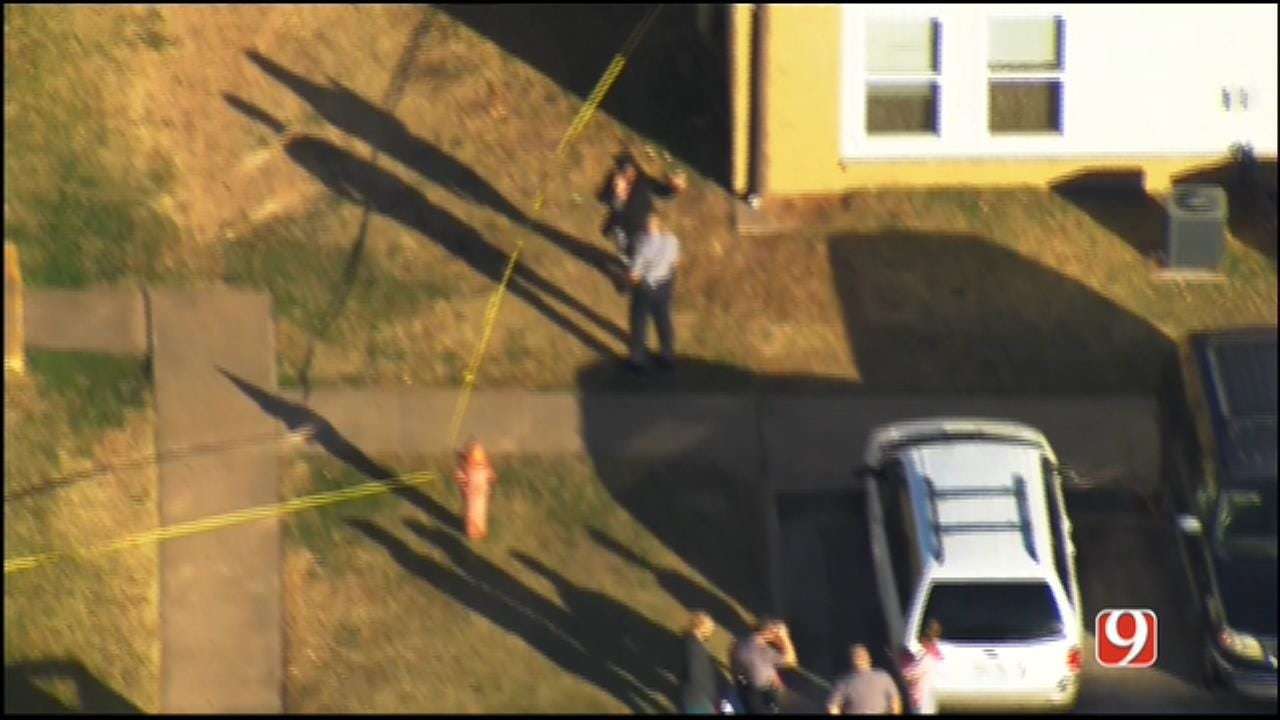WEB EXTRA: SkyNews 9 Flies Over Shooting Investigation At OKC Apartment