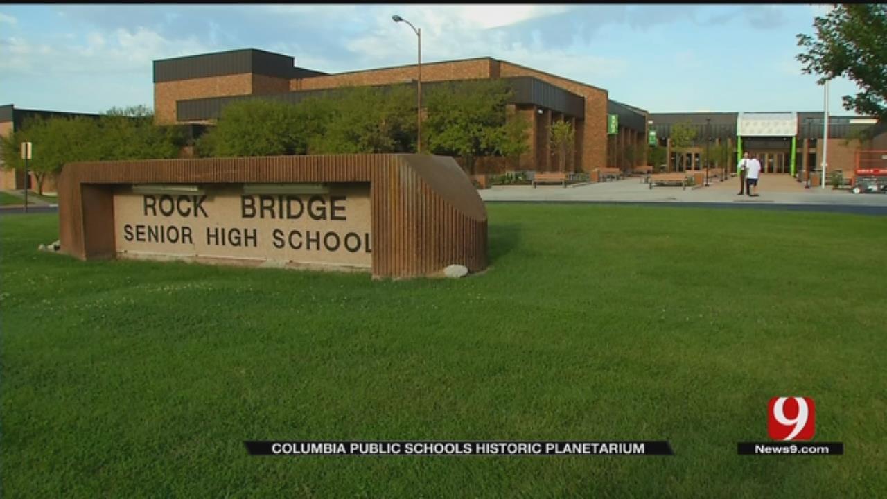 Columbia, Mo., Students Take Advantage Of HS Planetarium