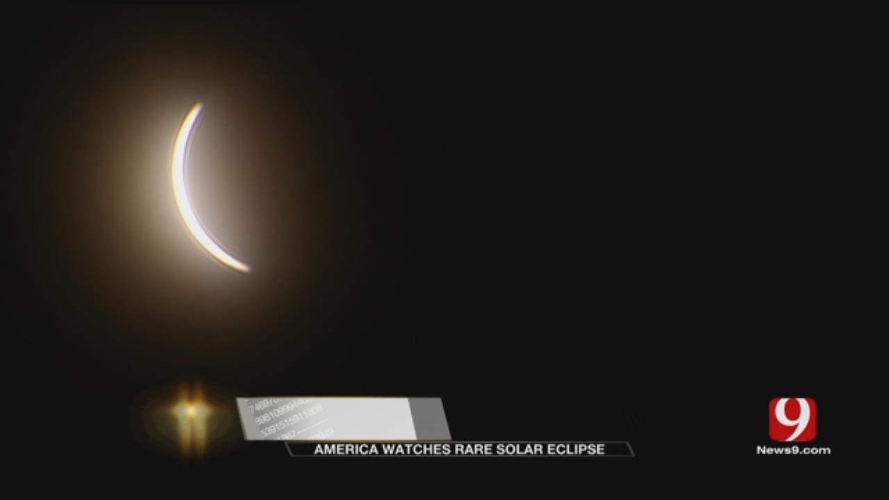 Columbia, Mo., Rock Bridge HS Students Take In Solar Phenomenon