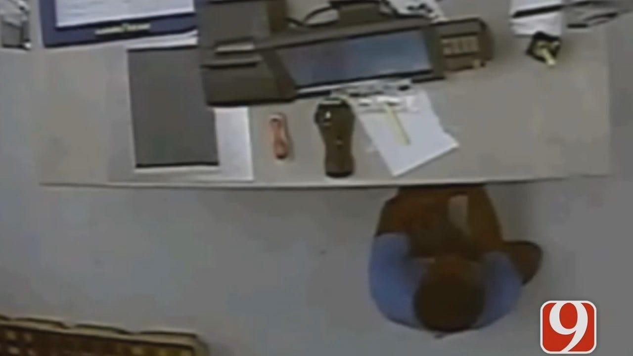 Thief Pries Into Cash Register At Belle Isle Walmart