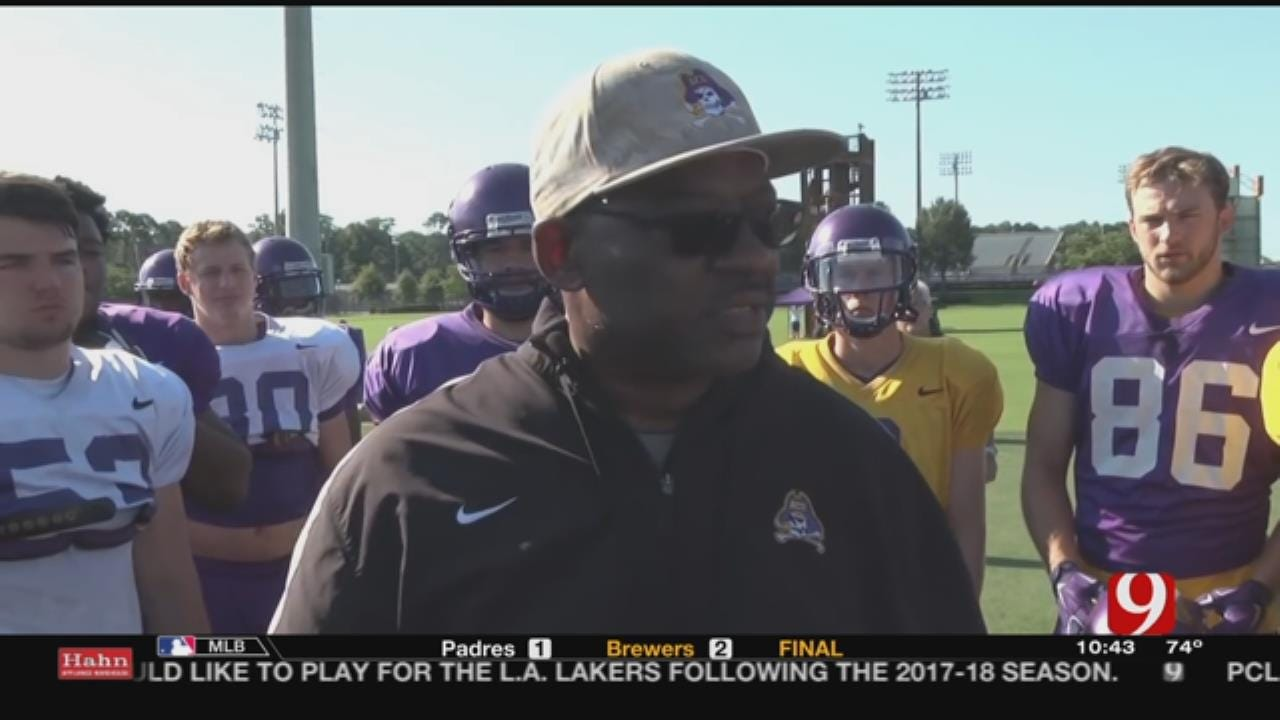 Lincoln Riley Hires Old Coach Ruffin McNeill