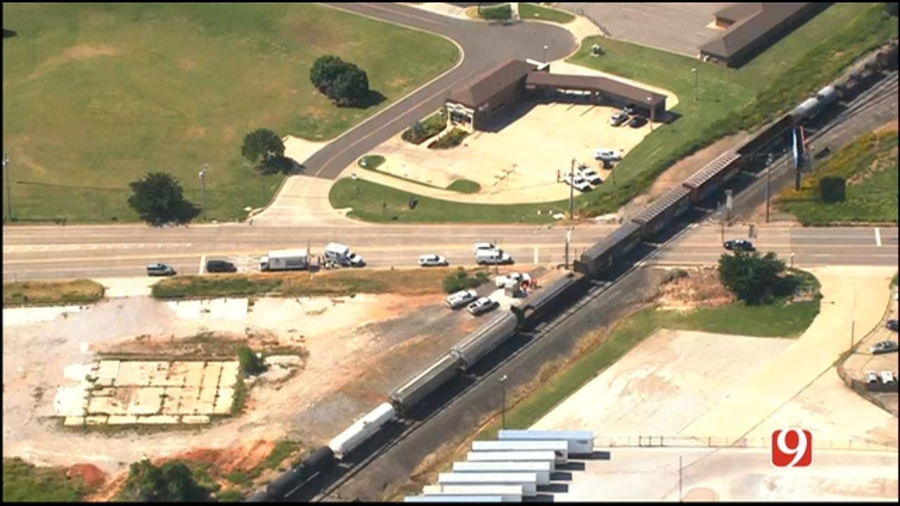 WEB EXTRA: Bob Mills SkyNews 9 Flies Over Crash Involving Train, Truck In N. OKC