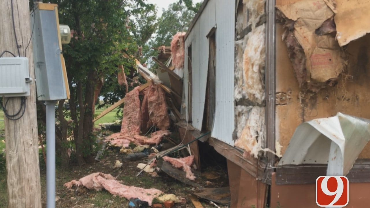 WEB EXTRA: Powerful Winds Strike Mobile Homes In Cordell
