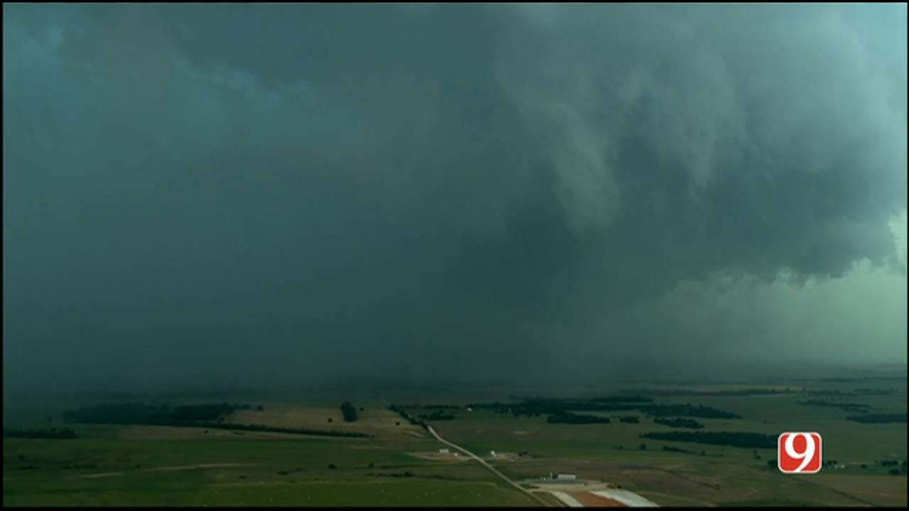WEB EXTRA: Sky News 9 Flies Over Tornado Near Waynoka