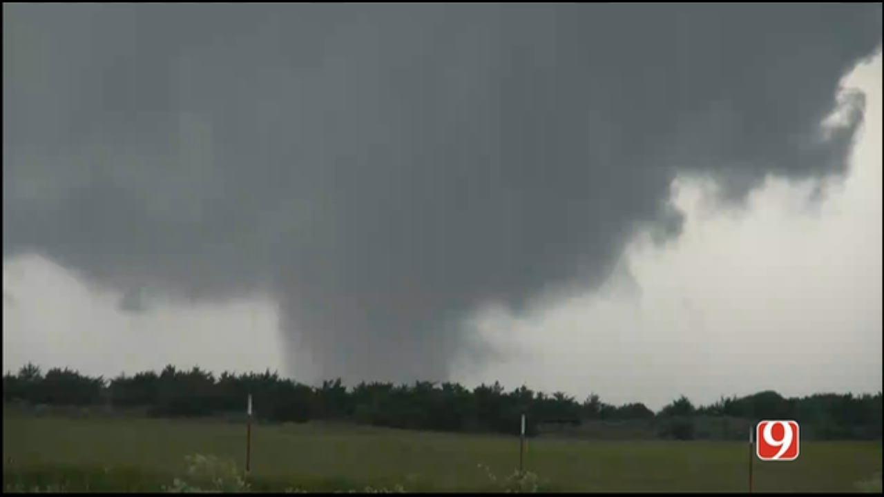 Stormtracker Bobby Payne Tracks A Tornado North Of Chester