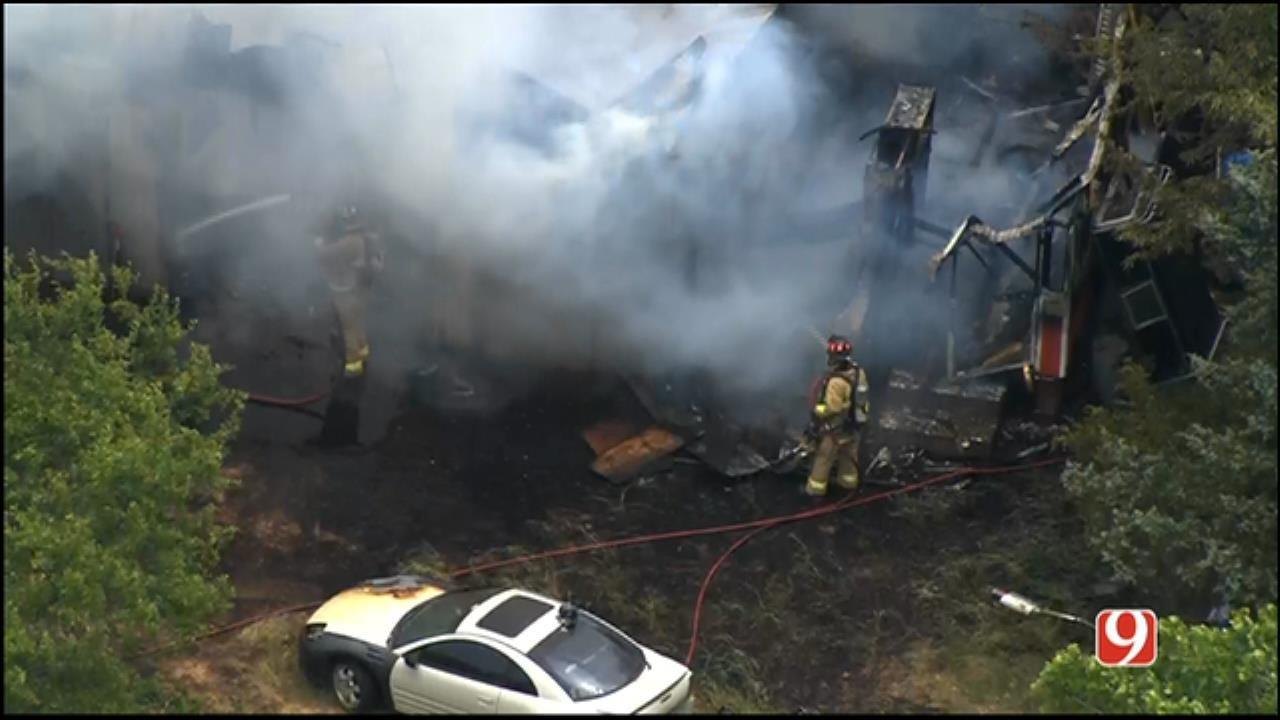 Firefighters Extinguish Building Blaze In SW OKC