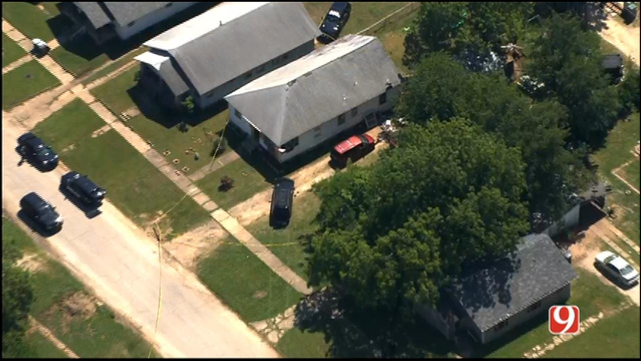 WEB EXTRA: SkyNews 9 Flies Over Standoff Situation In Wewoka