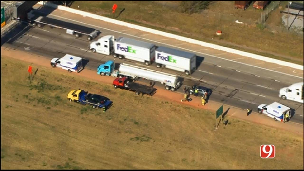 WEB EXTRA: SkyNews 9 Flies Over 3-Vehicle Crash On WB I-40