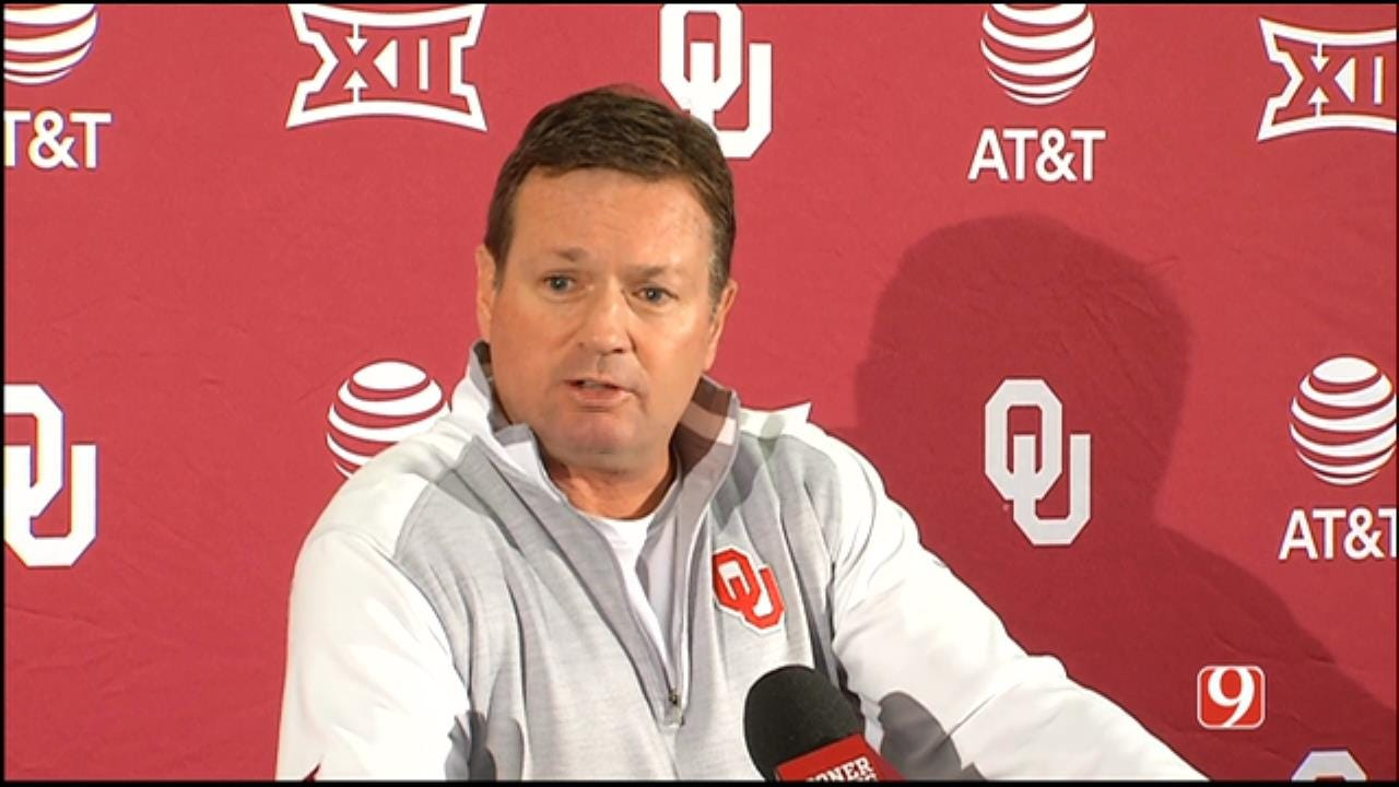 WATCH: Bob Stoops' Weekly News Conference Following WVU Win