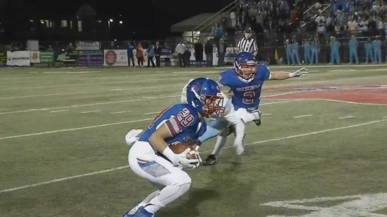 Bixby Dominates PC West On Way To 49-7 Win