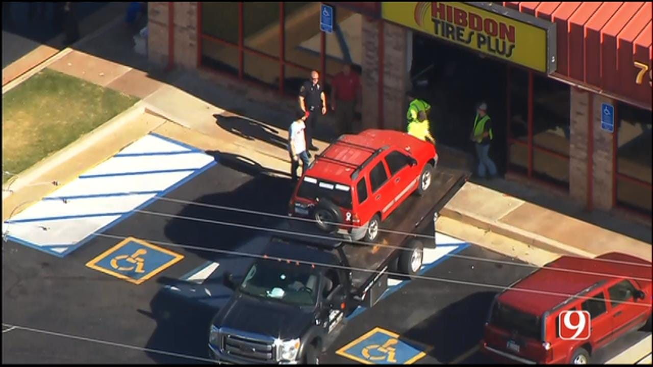 WEB EXTRA: SkyNews 9 Flies Over Vehicle Crashed Into Moore Tire Shop