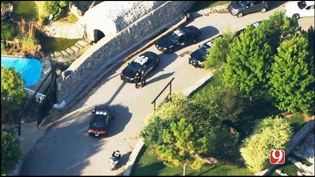 WEB EXTRA: SkyNews 9 Over Scene As Police Capture Pursuit Suspect Hiding In Mansion