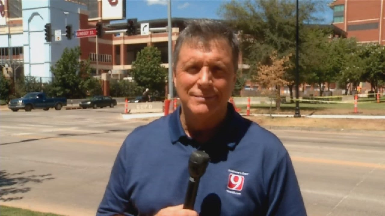 Dean Blevins Checks In From Bob Stoops' Weekly News Conference