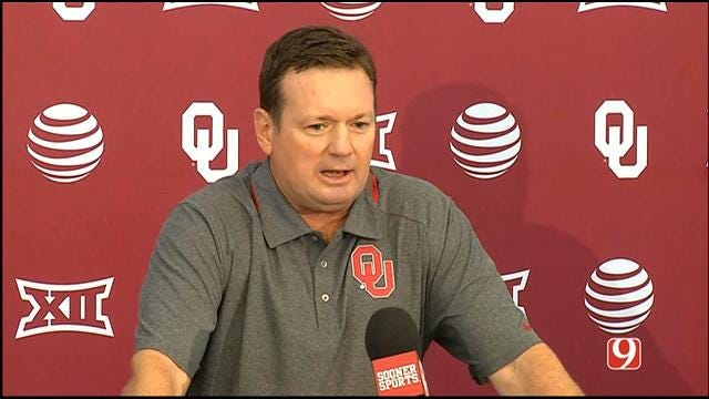 Bob Stoops Talks At Weekly Press Conference Following Loss To Houston
