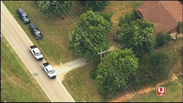 OSBI, Sheriff's Deputies Work Stabbing Scene In Rural Caddo County