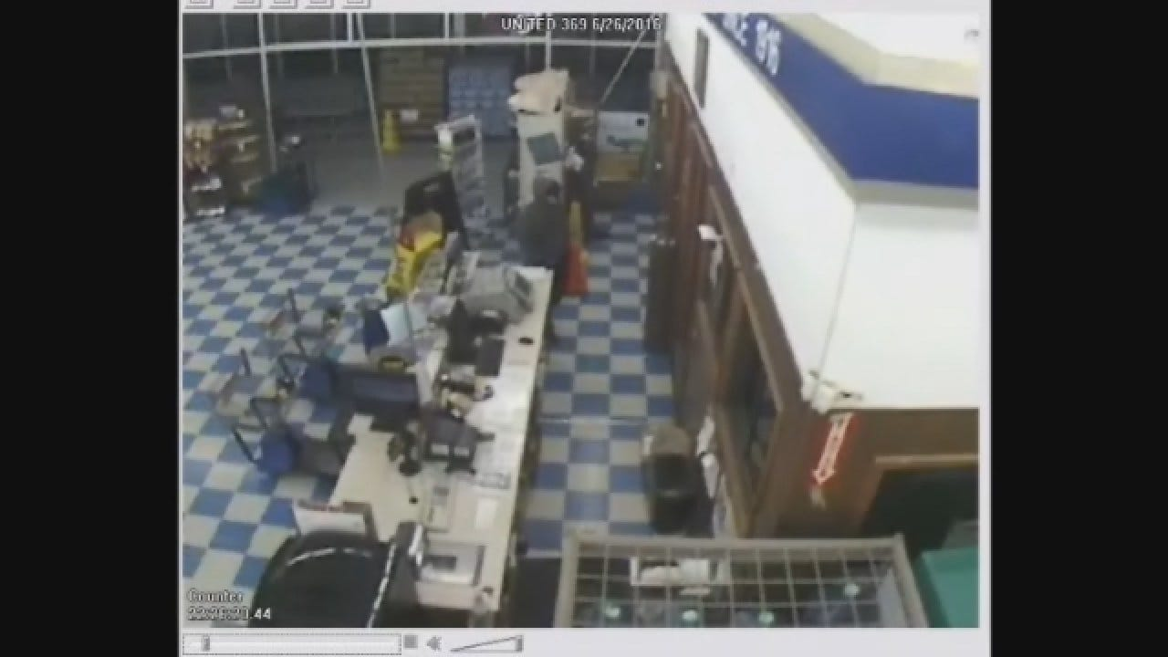 Police Say Grocery Store Robbery In Enid Was Inside Job
