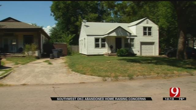 Abandoned Home In SW OKC Raises Concerns Among Neighbors