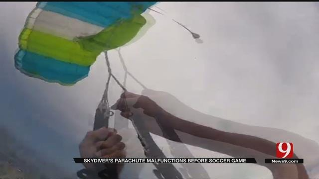 Oklahoma Skydiver Safe After Parachute Malfunction