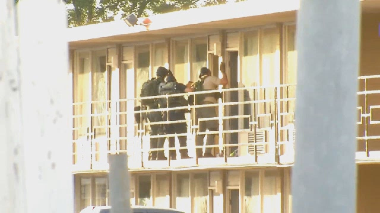 Standoff Suspect Arrested.wmv