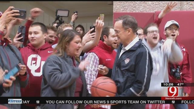 OU Returns Home To Large Crowd