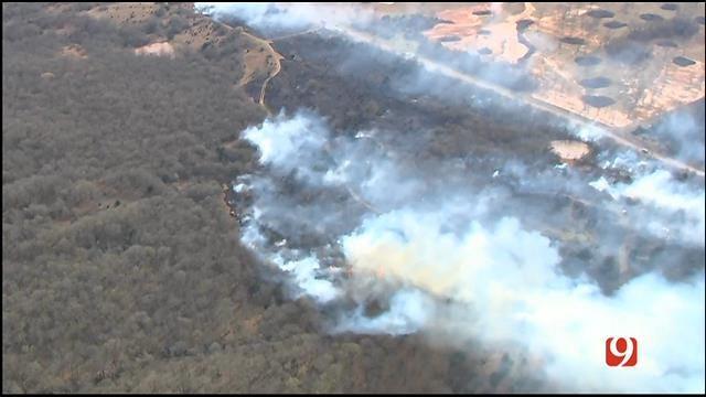 WEB EXTRA: SkyNews 9 Flies Over Large Grass Fire Near Macomb