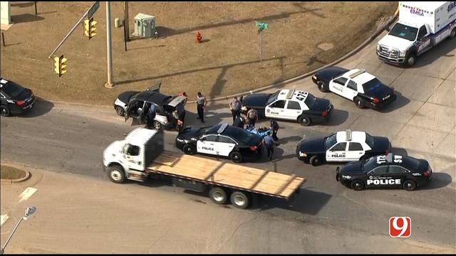 WEB EXTRA: Bob Mills SkyNews 9 HD Flies Over End Of OKC Police Chase