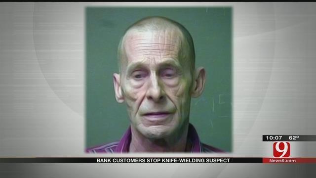 Bank Customers Stop Knife-Wielding Suspect