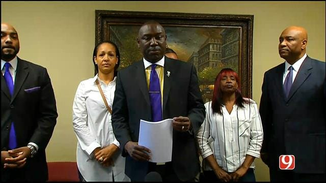 WEB EXTRA: Holtzclaw Victims, Attorneys Hold News Conference On New Evidence