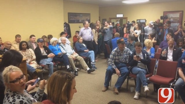 WEB EXTRA: GOP Voters Wait For Results At OK GOP HQ