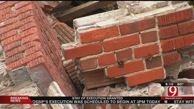 Residents Link Age, Earthquakes To Building Collapse
