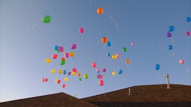WEB EXTRA: Glossip Family Releases Balloons