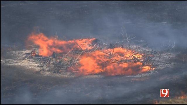 WEB EXTRA: Bob Mills SkyNews 9 HD Flies Over Deer Creek Grass Fire