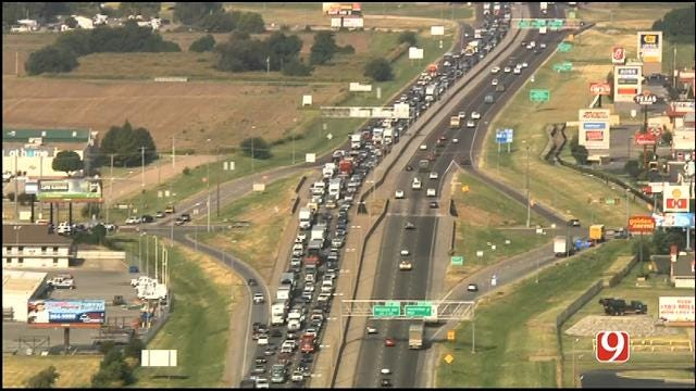 WEB EXTRA: Bob Mills SkyNews 9 HD Flies Over Traffic Backup On I-40